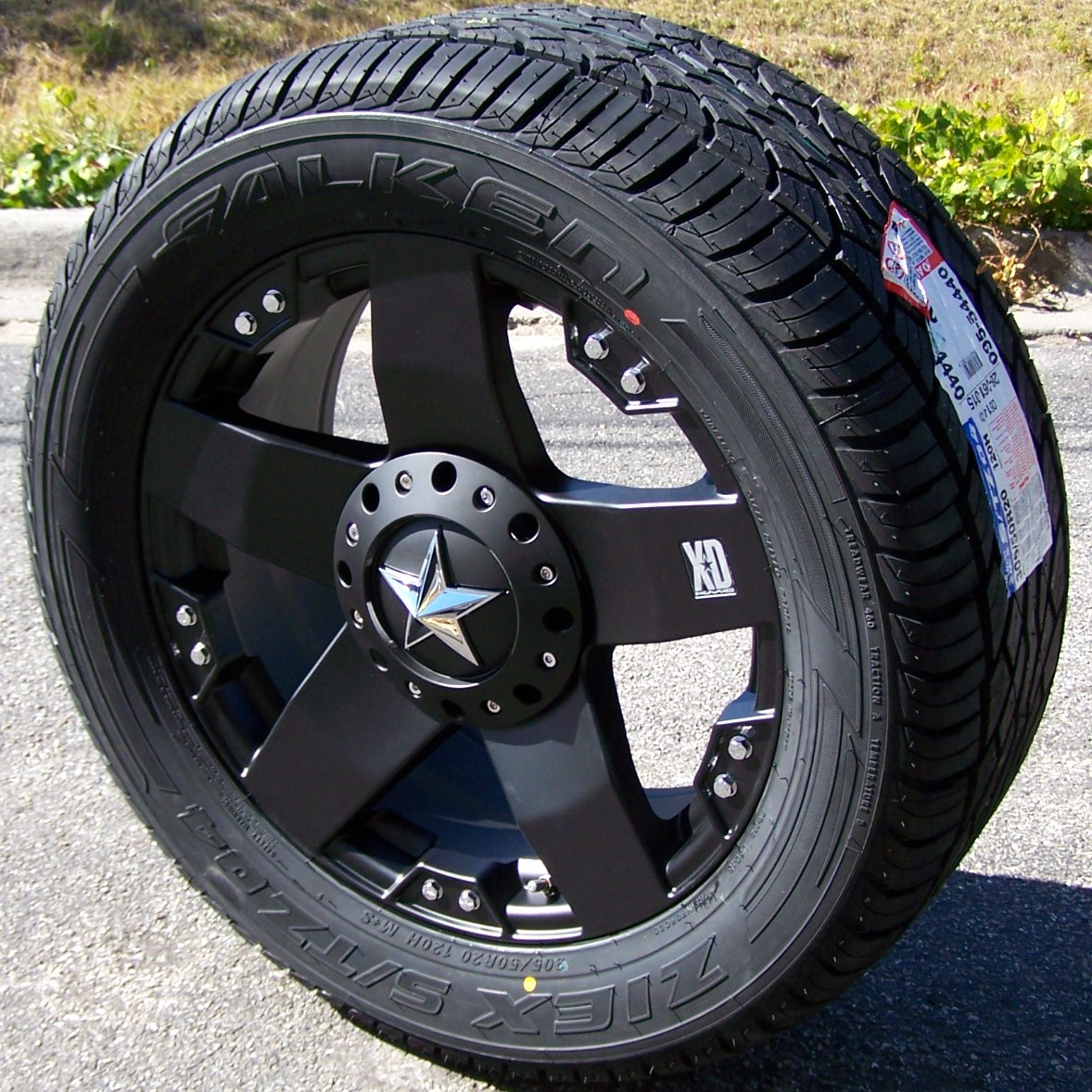 "20"" XD Rockstar Wheels Falken STZ 04 Tires Chevy Silverado 1500 Sierra Titan"